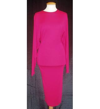 BNWT  ASOS  Size 8 Cerise pink stretch jersey open back batwing sleeve Midi dress.