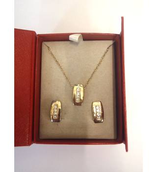 gold plated necklace & earrings with clear gems; in box Secret Dreams - Size: Medium - Metallics - Chain