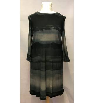 Phase Eight - Size: 16 - Two Tone Grey Horizontally Striped Dress