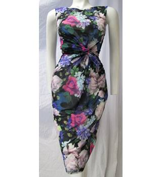Phase Eight Size 8 Black and Floral Pattern Dress Phase Eight - Size: 8 - Multi-coloured