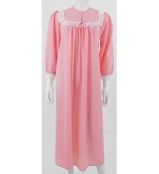 Vintage Unbranded Size: 12 / 14 Pink Nighty