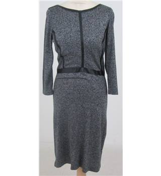 The Limited size: M, grey, knee length dress