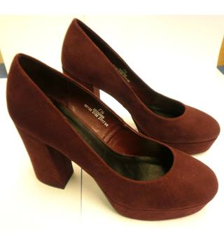 High heeled platform shoes, purple suede effect, size 71/2, new, M&S M&S Marks & Spencer - Size: 7.5 - Purple - Heeled shoes