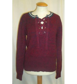 BNWT   Scotch and Soda  Size 10  Red and navy marl lace up neck short length Jumper.