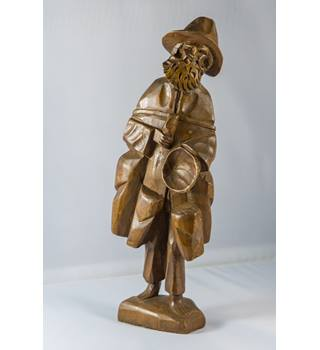 HAND CARVED WOODEN GENTLEMAN WITH HAT AND BEARD