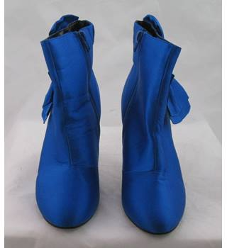 NWOT M&S Collection, size 8 royal blue satin ankle boots