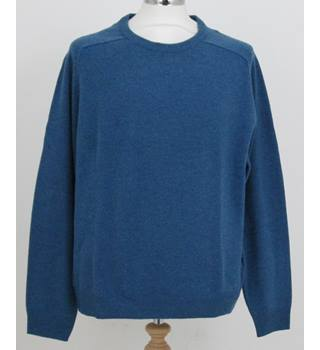 NWOT M&S Collection Size L  Turquoise/blue coloured, Long Sleeve V Neck jumper.