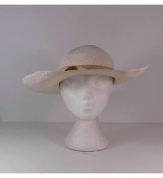 31ced604de9 Vintage Unbranded Size  S Cream Straw Sun Hat