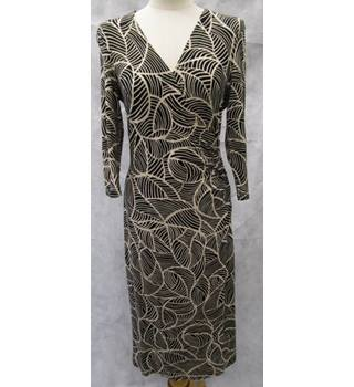 Wallis Size 12 black and beige abstract patterned dress