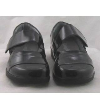 BNIB Cosyfeet, size 5 black patent effect Mary Jane style shoes