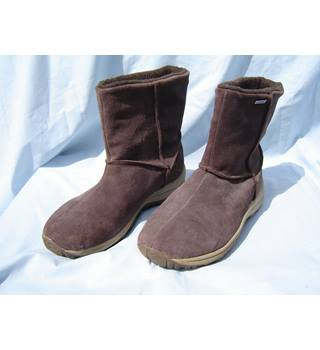 Snowdonia, Coolmax UK size 7, Brown suede Snowdonia / Coolmax - Size: 7 - Brown