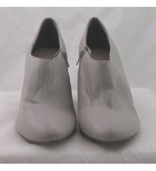 NWOT M&S, size 8 grey faux leather block heeled shoe/boots