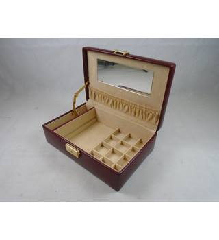 Lockable Red Leather Style Jewellery box with Key Unbranded - Red