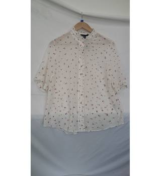 New Look ladies blouse.size 14 in cream with pink and beige print. New Look - Size: 14 - Cream / ivory - Blouse