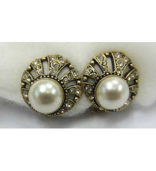Vintage Style Pearl Crystal Clip-on Earrings