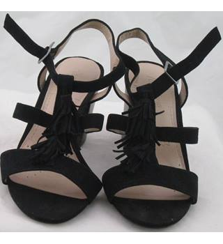 NWOT Footglove, size 3.5 black suede strappy block heeled sandals