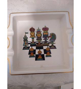 Carlton Ware Ashtray Chest Design with 4 Rests