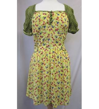 BNWT Henry Holland - Size: 14 - Yellow with Floral Pattern and Black Check Design Dress