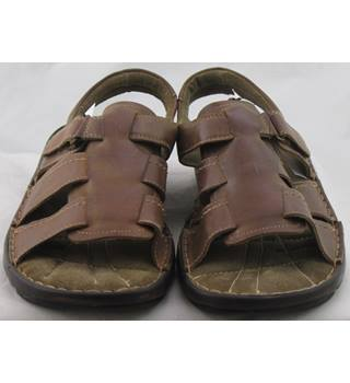 NWOT M&S Collection, size 10 brown leather fisherman sandal