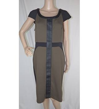 Green and Black Dress Size: 12 eci new york - Size: 12 - Green