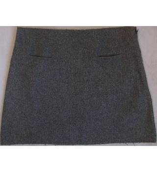 Burberry London grey wool mini skirt size 8 Burberry - Size: 8 - Grey - Mini skirt