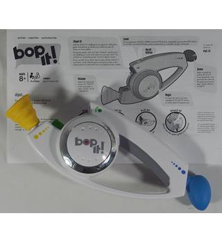Bop It!  Shout it ! Hasbro