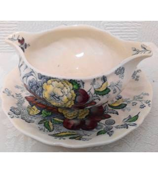 Royal Doulton Gravy Bowl with Saucer