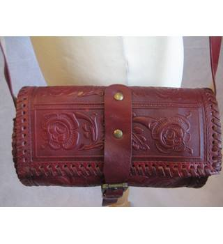 Miss Selfridge cherry red tooled leather barrel bag bnwt Miss Selfridge - Size: Not specified - Red - Cross body bag