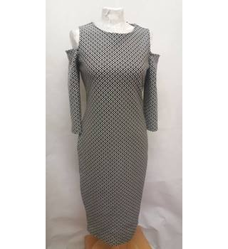 NEW no tags Trendy M&S Marks & Spencer - Size: 8 - black and white cold shoulder dress