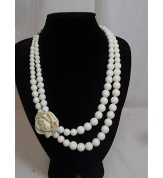 "20"" double strand rose necklace"