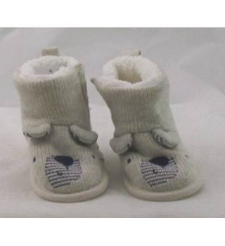 NWOT M&S Baby, size 6 - 12 months oatmeal booties