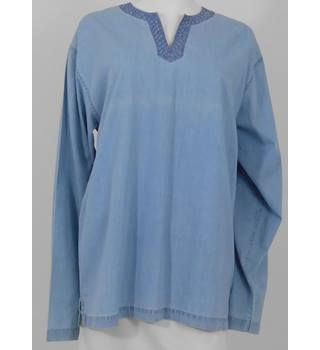 BNWT Fire 'N' Ice Size XL Pastel Blue Smock Top