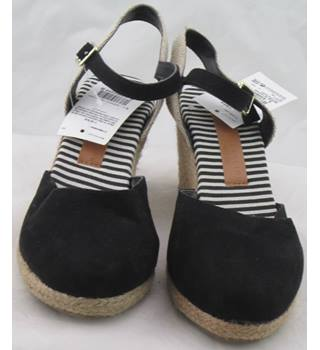 NWOT M&S Collection, size 3 black wedge heeled espadrilles
