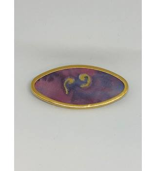 Multi-coloured oval brooch
