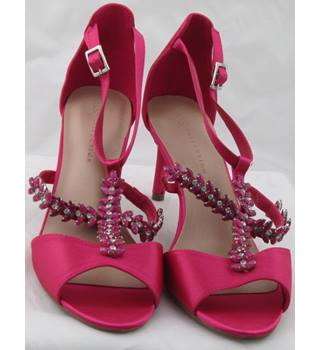 NWOT M&S Collection, size 7.5 fuchsia gem stone decorated high heeled sandals