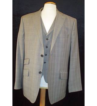New without tags   Ted Baker - Endurance   Size 42 R  Grey Prince of Wales check Jacket and matching waistcoat.