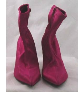 NWOT M&S Collection, size 6.5 hot pink satin effect ankle boots
