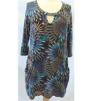 Wallis, size M petite blue mix patterned tunic top