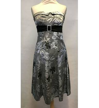 Jane Norman - Size: 10 - Grey and Silver Floral Dress