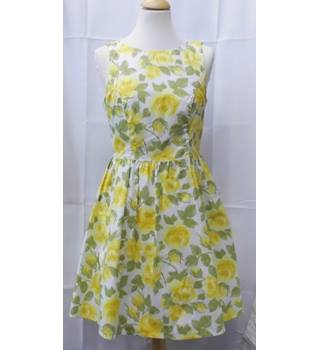 Red Herring size 12 White with Green and Yellow Floral Pattern Dress
