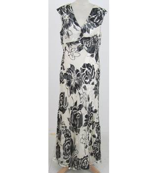 Country Casuals Size:14 ivory & grey maxi occasion dress