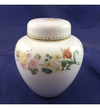 Wedgwood Bone China Pot with Lid Mirabelle Series