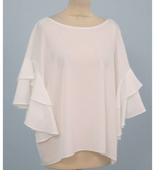 NWOT M&S Collection Size: 18 - White top with frilled sleeves