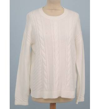 NWOT M&S Classic Size: 14 - Ivory cabled sweater