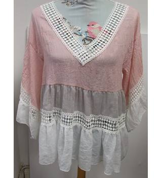 BNWT Pretty Pastel Pink Italian Summer Top from Carry Me Paris Carry Me Paris - Size: One size: regular