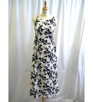 Unbranded - Size: S - Cream and black - Long dress
