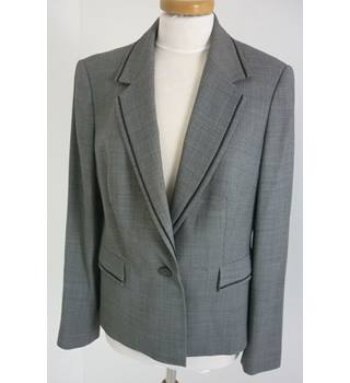 "Austin Reed Size: Jacket, 35.5"" chest, trld fit & Trousers, 29"" waist, 32"" inside leg Grey Stylish Wool Single Breasted Suit"