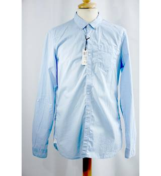 BNWT Blue Light Cotton Shirt from River Island in a Medium Slim Fit Size.
