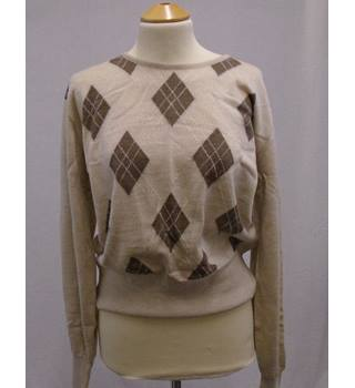 Vintage 70s Jaeger - size M, beige diamond patterned jumper