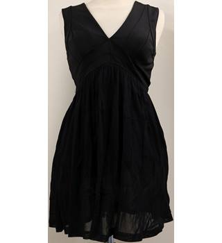 Black Pull on Dress Topshop - Size: 8 - Black - Short